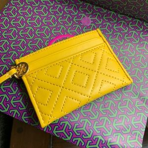 Authentic Tory Burch Quilted leather slim card cs